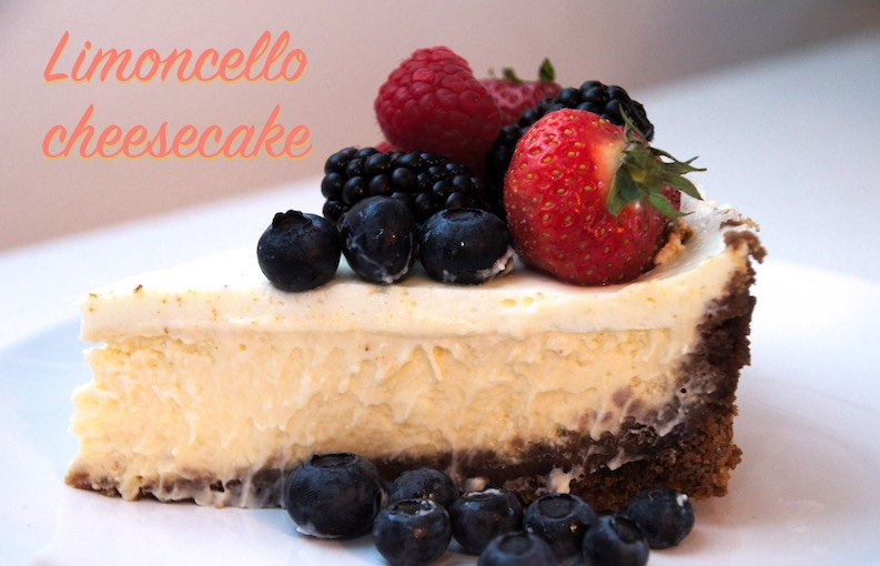 Limoncelle cheesecake taartpunt met zomerfruit