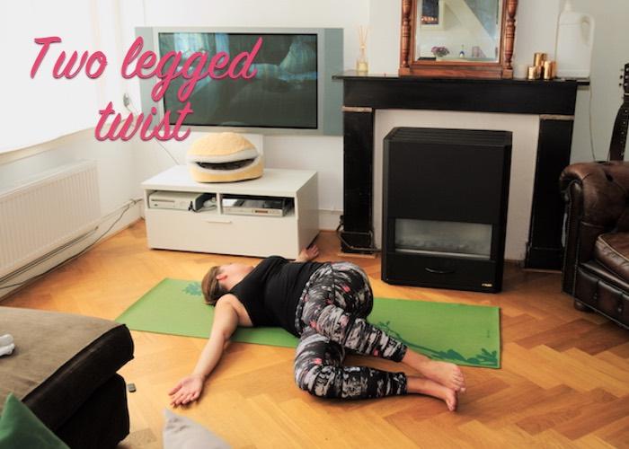 Two legged twist yoga lage rugpijn
