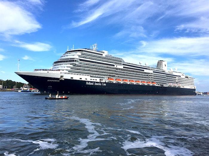 Cruiseschip haven Amsterdam