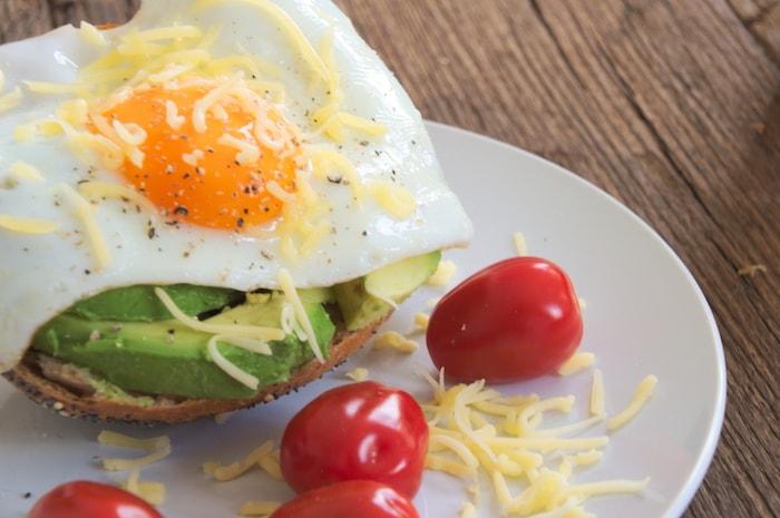Te veel gegeten: Broodje avo ei